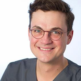 Dr. Maximilian Blume